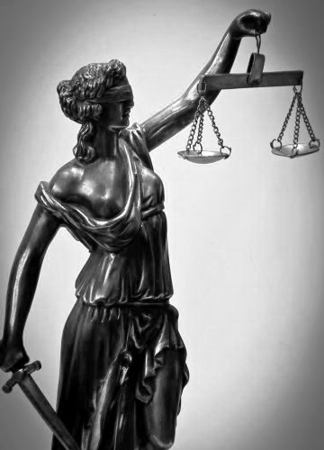 lady justice B&W